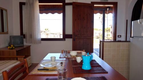 tavolo e divano bilocale